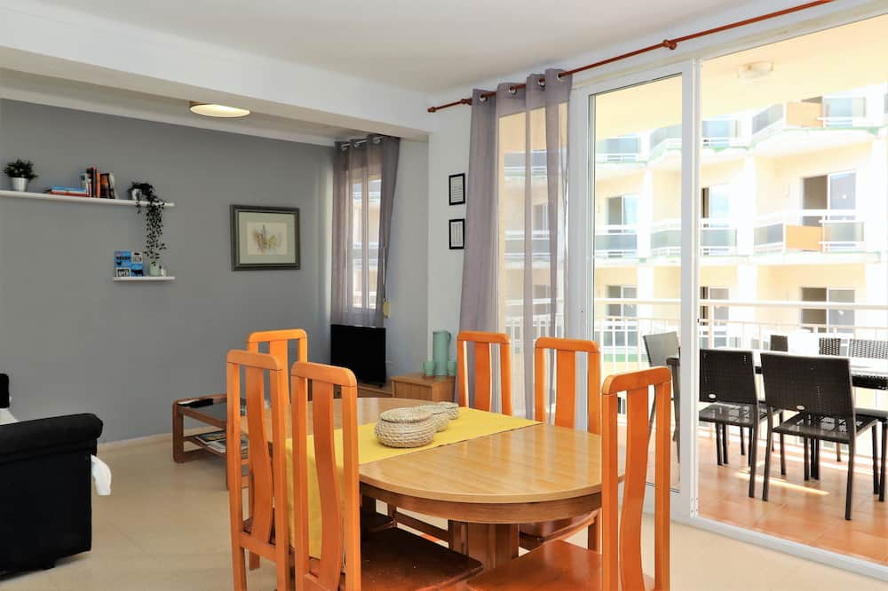 Apartment, 2 Bedrooms, Terrace - In-Room Dining