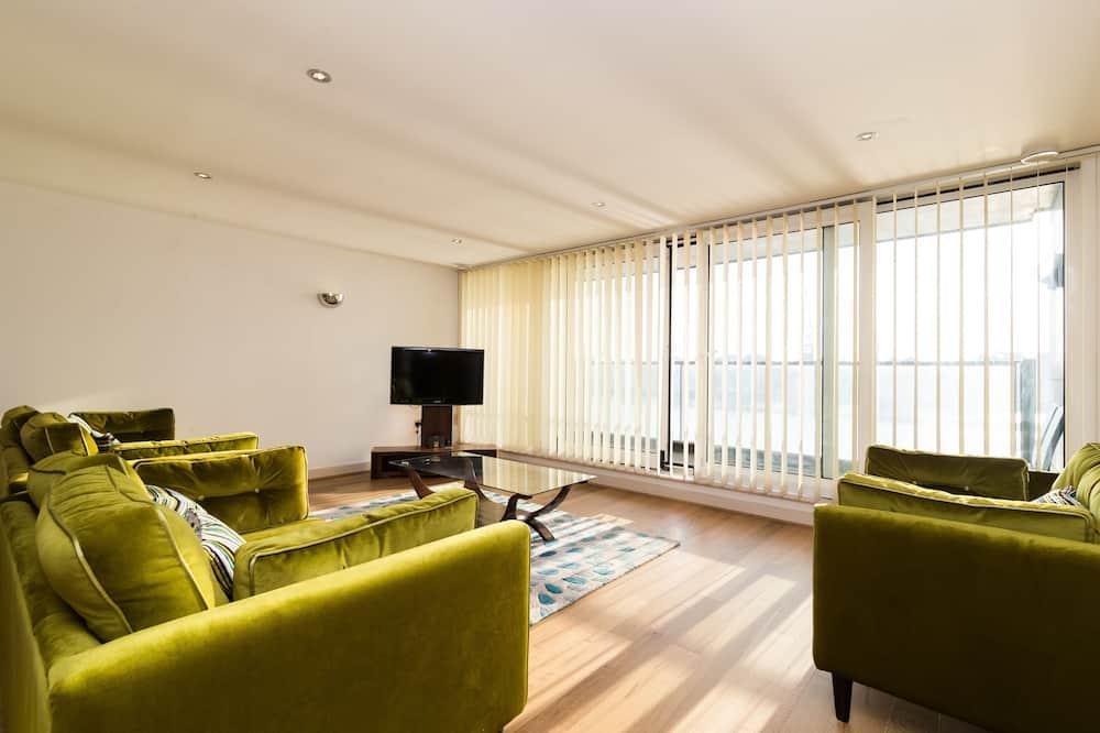 Apart Daire, 2 Yatak Odası, Nehir Manzaralı - Oturma Odası
