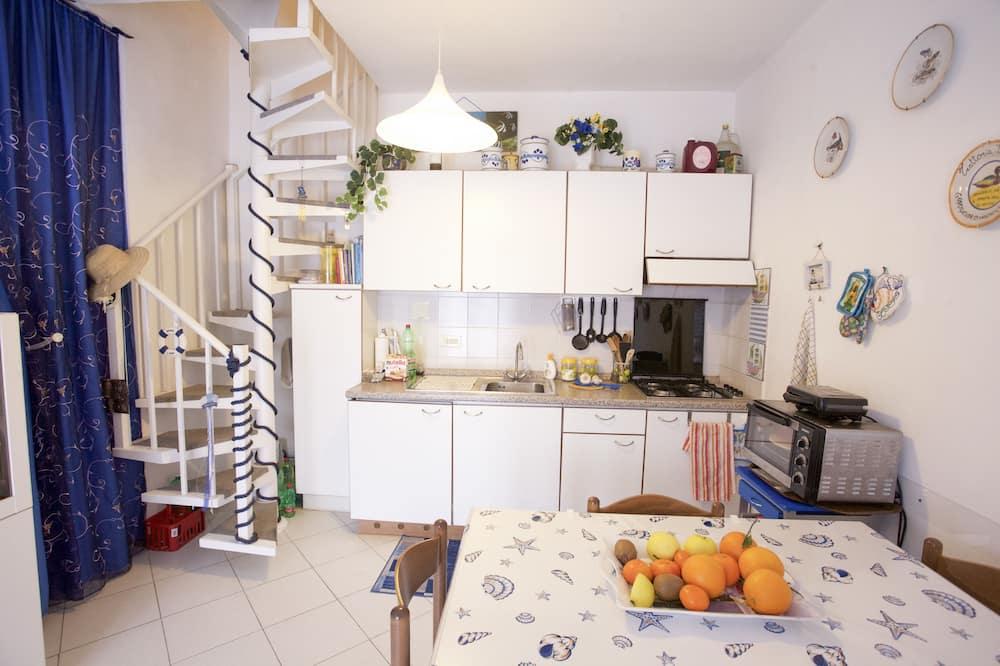 Апартаменты, 3 спальни - Зона гостиной