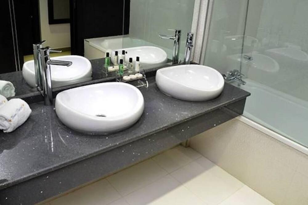 Diplomatic room  - Bathroom Sink