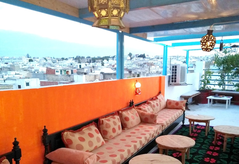 Apartment With 2 Bedrooms in Tunis, With Wifi - 4 km From the Beach, Tunis, Terrace/Patio