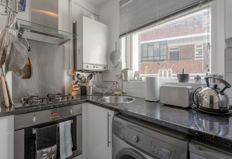 Battersea Park 1 Bedroom Apartment, London, Apartment, 1 Bedroom, Private kitchen