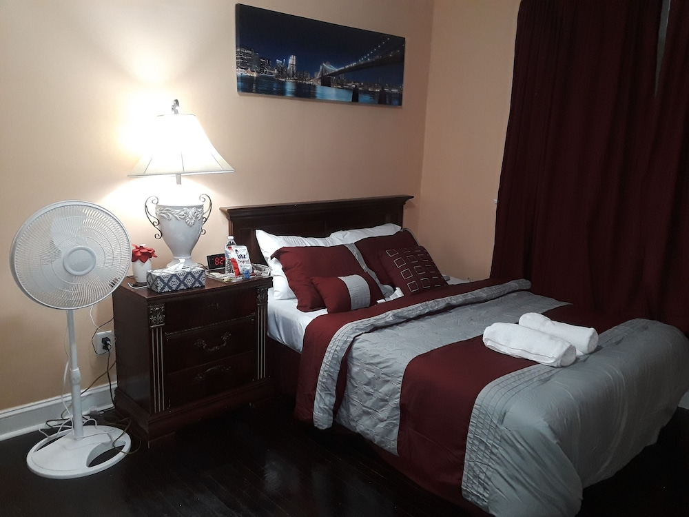 Sharif S Bed Breakfast Upper Darby Apartment 2 Bedrooms Guest Room
