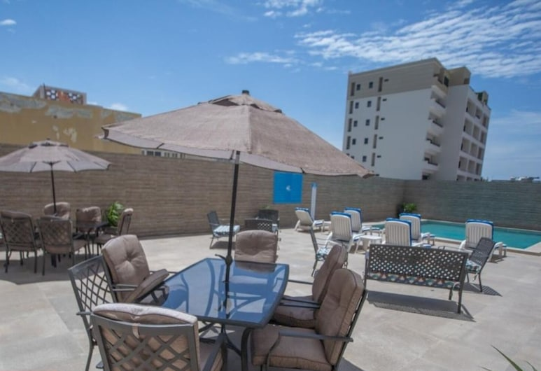 AV Inn Hotel, Mazatlan, Outdoor Pool