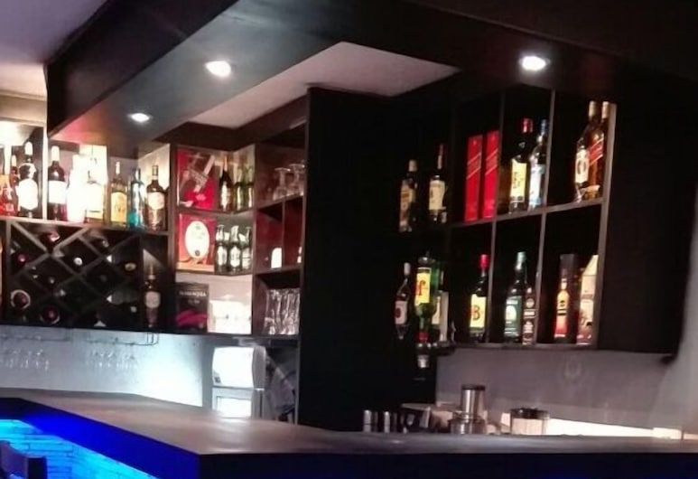 Commonlens Inn Hotel., Entebbe, Hotelski bar
