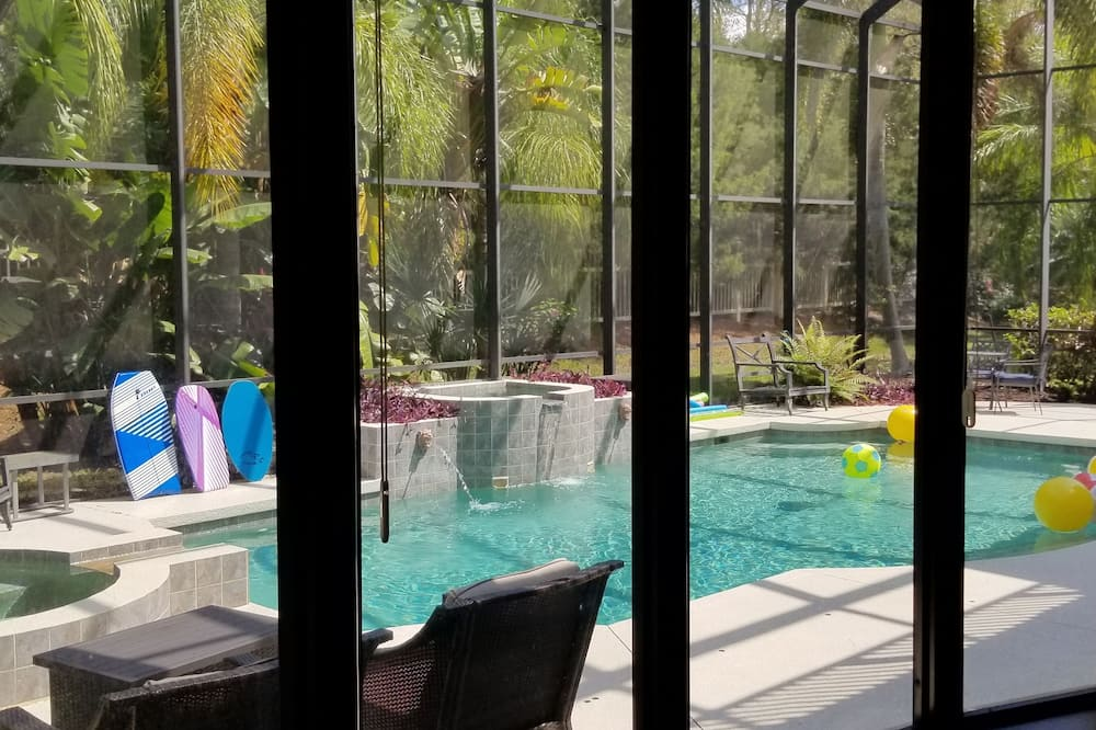Comfort House, Multiple Bedrooms, Private Pool, Pool View - View from room