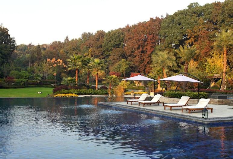 Hangzhou Rose Garden Resort & Spa, Hangzhou, Pemandangan dari Hotel