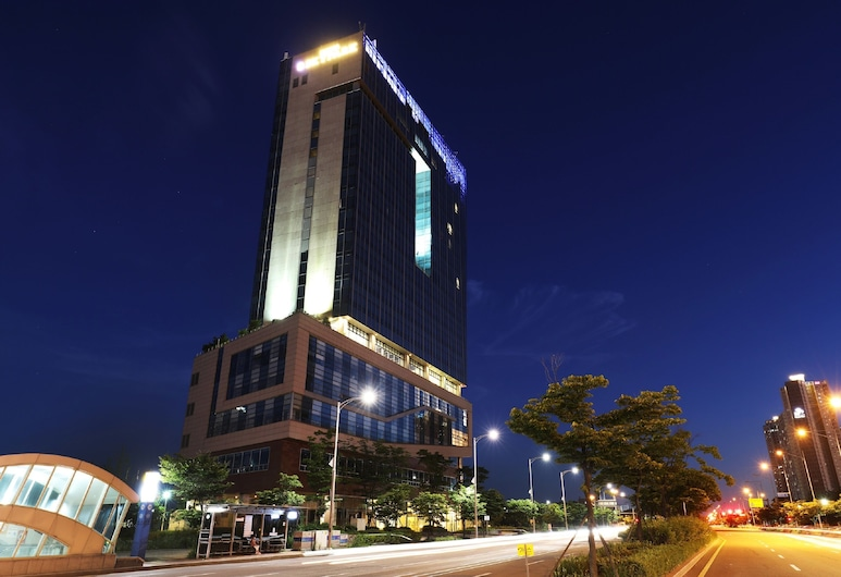 Hotel Skypark Incheon Songdo, Incheon, Facciata hotel (sera/notte)