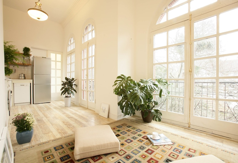 Wonderland French Concession Rong's home, Shanghai, 1 Bedroom Apartment-204B, Living Area