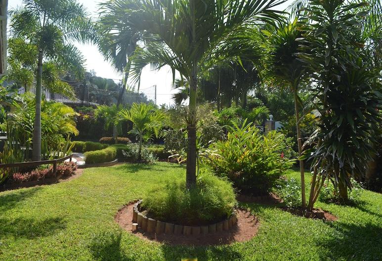 鷹巢飯店, 普拉斯林島, 住宿範圍