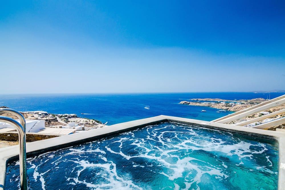 غرفة رومانسية مزدوجة - غرفة نوم واحدة - بمسبح خاص - بمنظر للبحر - حوض سباحة خاص
