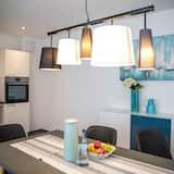 شقة مريحة - تناول الطعام داخل الغرفة
