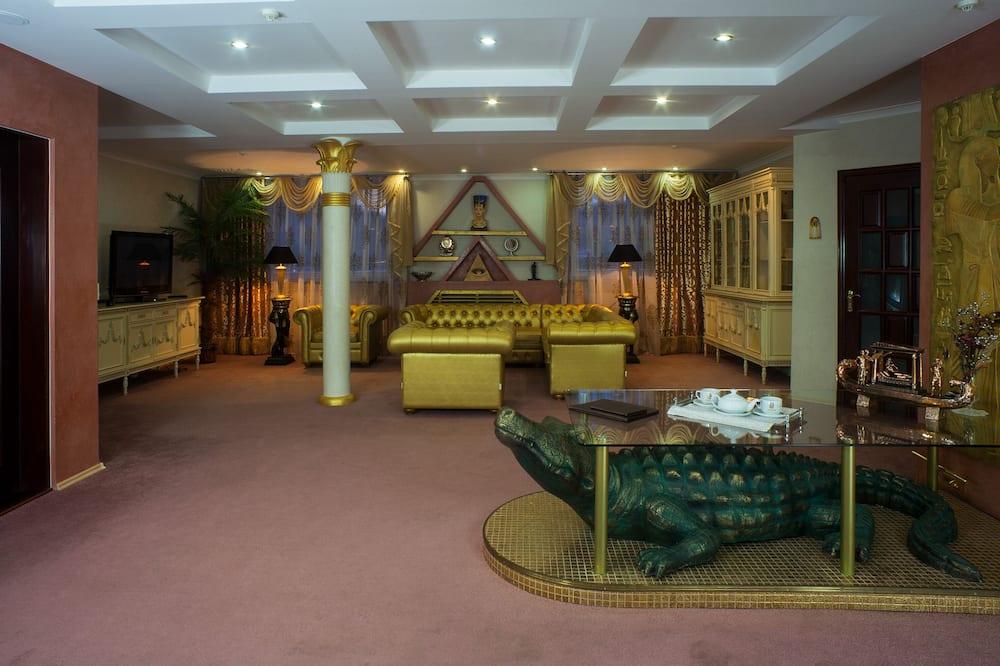 Luxury Apartment, 3 Bedrooms - Living Area