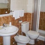 Kamar Triple - Kamar mandi