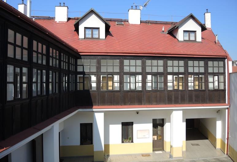 Emma Penzion, Praga, Área da acomodação