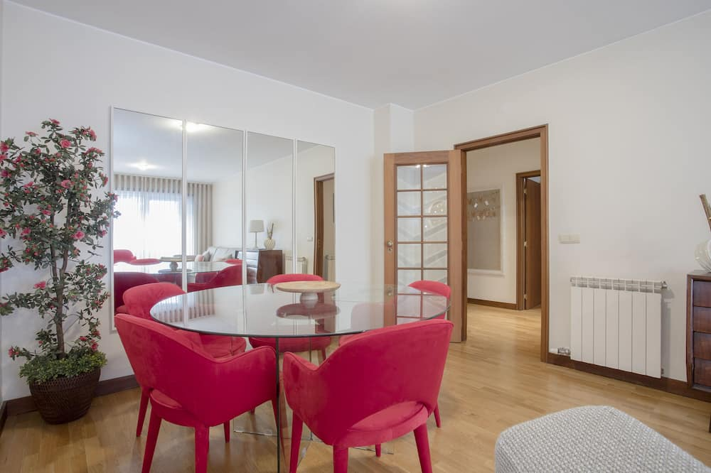 Apart Daire, 2 Yatak Odası - Oturma Alanı