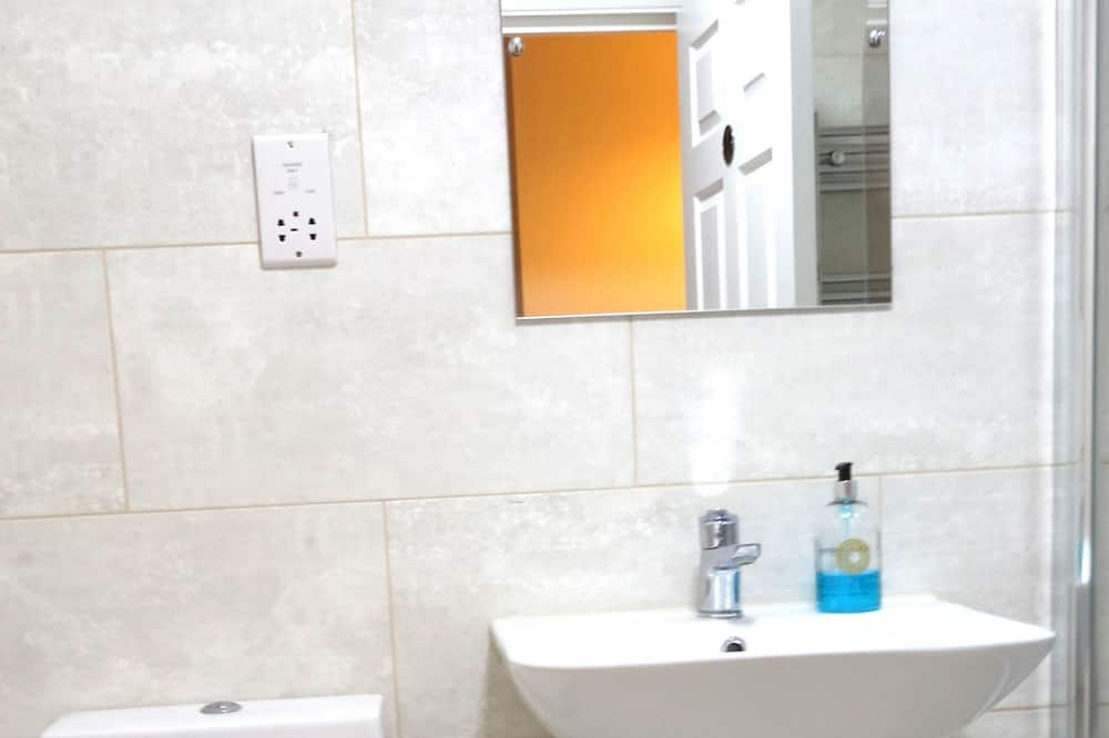Traditional Tek Büyük Yataklı Oda (3) - Banyo