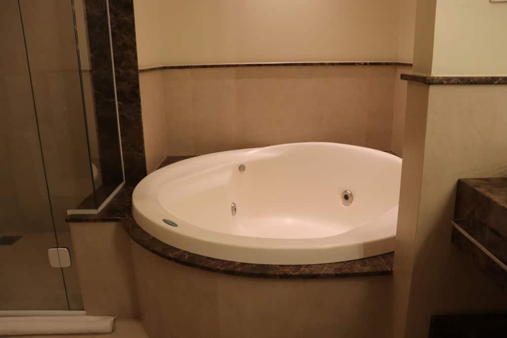Suite Panoramica com Banheira de Hidromassagem - Bathroom