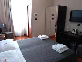 Фото HOTEL TWENTY NINE у місті Генуя