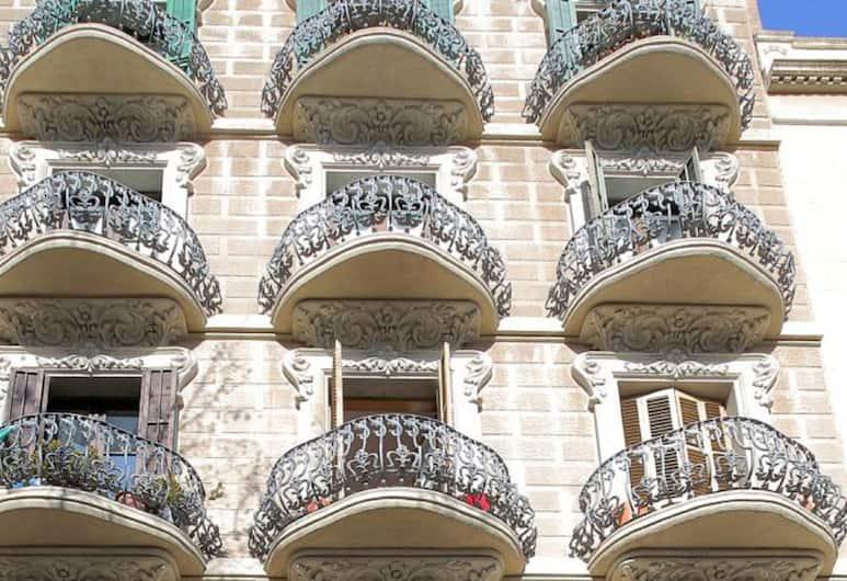 Hostal Balkonis, Barcelona, Exterior