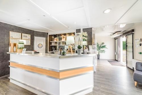 貝爾福貝松庫爾民宿酒店/