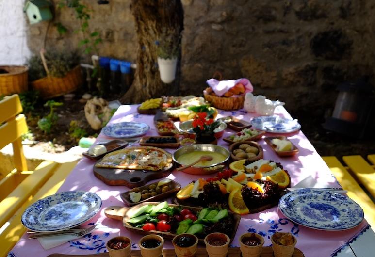 Serin Konak, Çeşme, Kahvaltı Alanı
