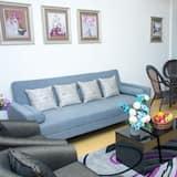 Luxury Villa, 4 Bedrooms, Park View - Living Area