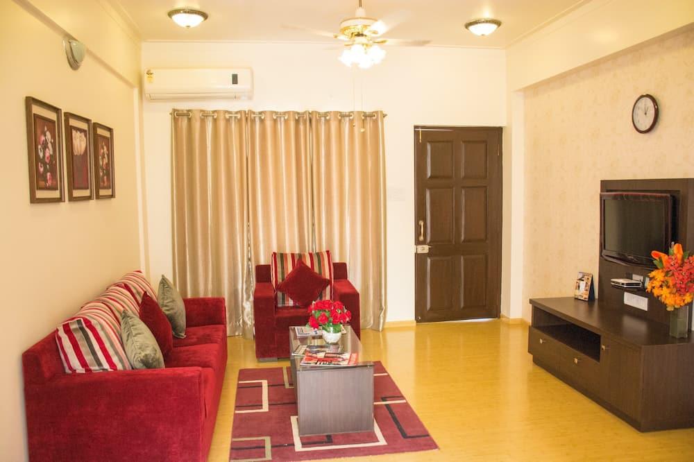 Luxury Villa, 4 Bedrooms, Park View - Living Room