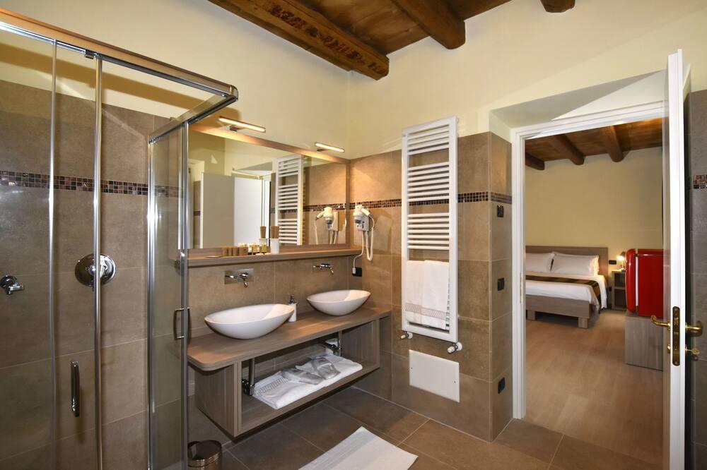 Double or Twin Room, Garden View - Bathroom
