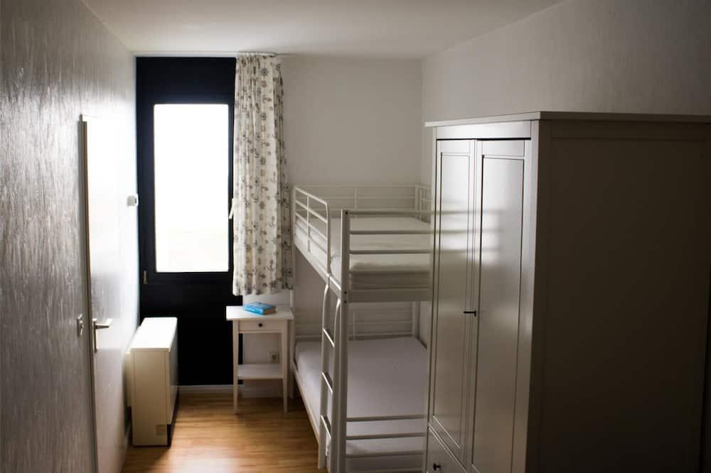 غرفة بديكور مناسب للأطفال