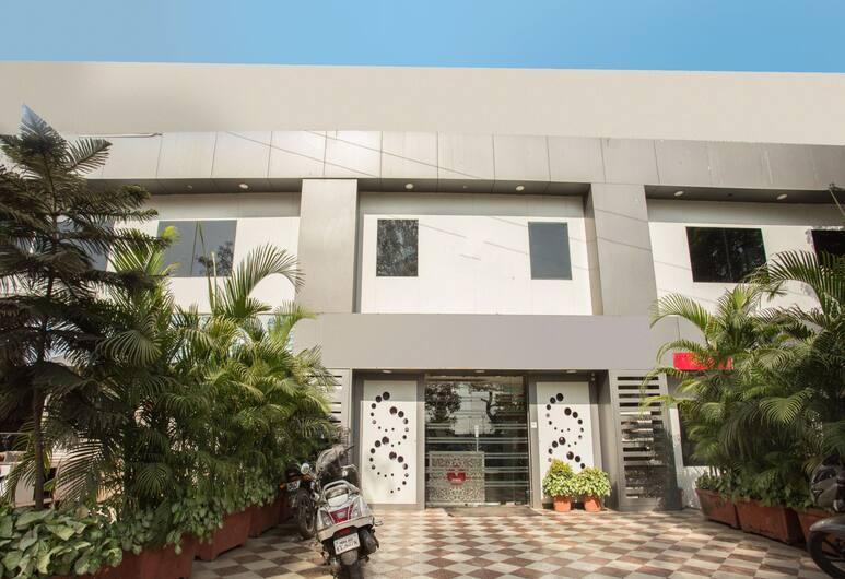 OYO 8759 Hotel Adore Palace, Bombay