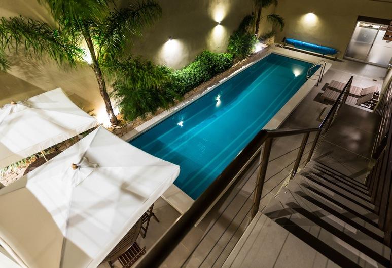 グラン ホテル フロレス, トリニダード, 屋外プール