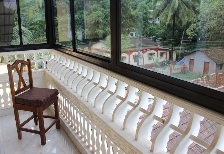 OYO 9859 Home 2 BHK Bardez North Goa, Sangolda, Habitación con 1 cama doble o 2 individuales, Balcón