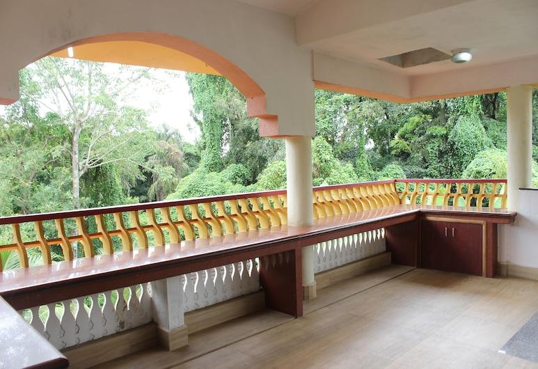 OYO 9859 Home 2 BHK Bardez North Goa, Sangolda, Double or Twin Room, Balcony