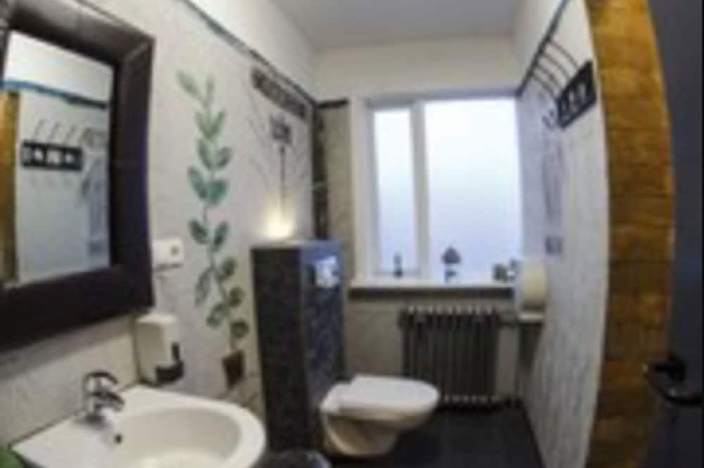 Kahden hengen huone, Jaettu kylpyhuone - Kylpyhuone
