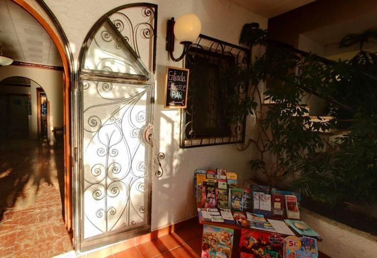 Hotel La Riviera, L'Alfas del Pi, Ingresso interno