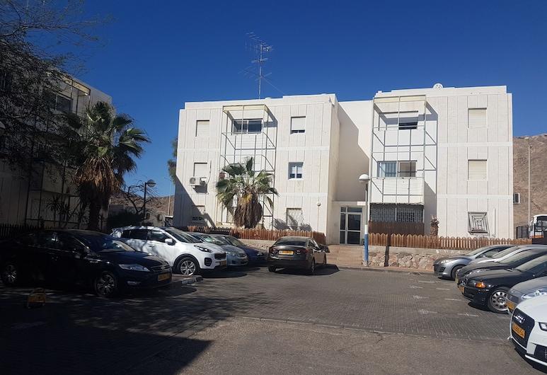 FAMILY APARTMENT & FREE  WATERSPORTS, Eilat, Fassade der Unterkunft