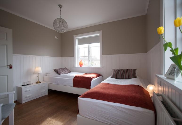 Ásar guesthouse, Άκουρεϋρι, Standard Δίκλινο Δωμάτιο (Double ή Twin), Κοινόχρηστο Μπάνιο, Δωμάτιο επισκεπτών