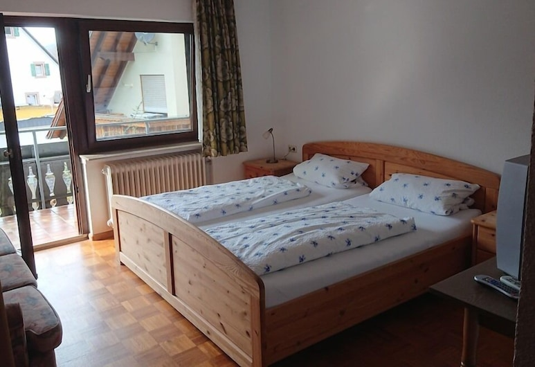 Pension Schlossbergblick, Simonswald, Basic Double Room, Ensuite (Klein), Guest Room