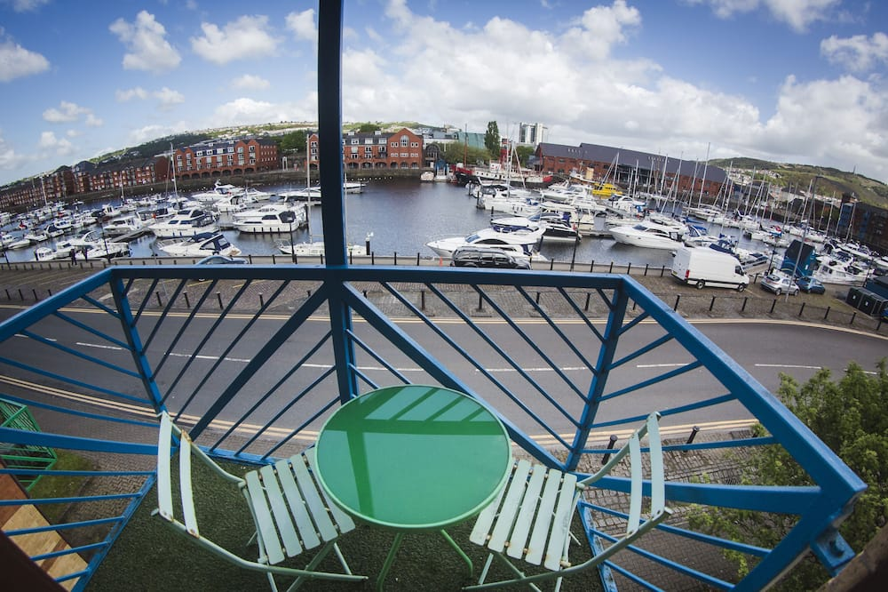 Superior Apartment, Private Bathroom, Harbour View (Two bedroom apartment) - Balcony View
