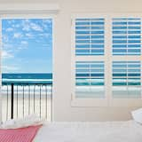 Family Apartment, 3 Bedrooms, Beach View, Beachfront - Room