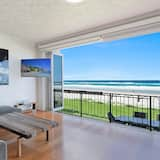 Family Apartment, 3 Bedrooms, Beach View, Beachfront - Living Area