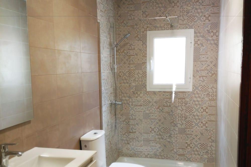 Chambre Double ou avec lits jumeaux, terrasse - Salle de bain