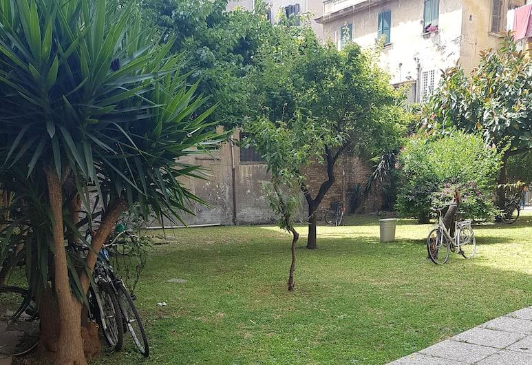 La Lupa In Trastevere, Rom, Gårdsplads
