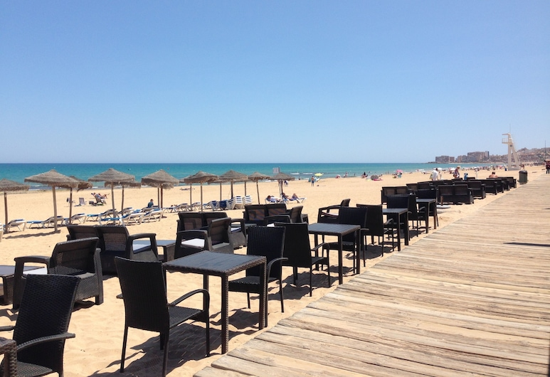 Lloyds Beach Club Aparthotel, Torrevieja, Pláž