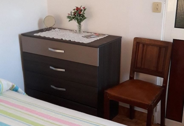 Apartment With one Bedroom in Funchal, With Wonderful sea View, Furnished Terrace and Wifi - 6 km From the Beach, Funchal, Apartment, Sea View, Room