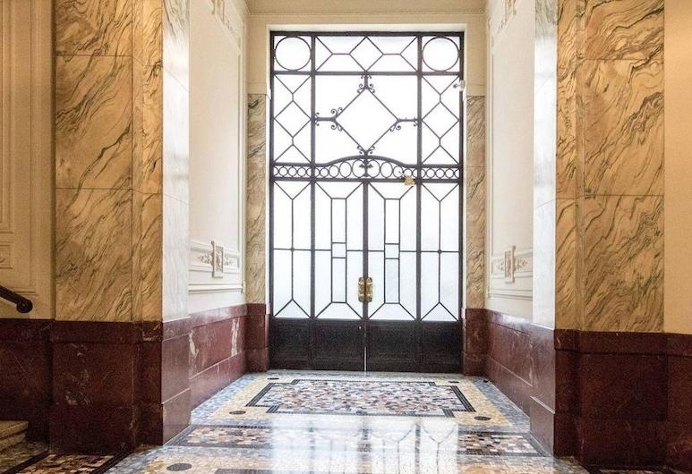 Altido Corso Venezia, Μιλάνο, Εσωτερική είσοδος