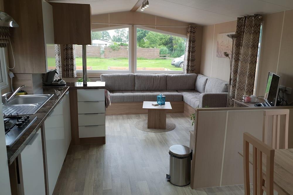 Mobile Unterkunft, 2Schlafzimmer (Summersun 1) - Wohnbereich
