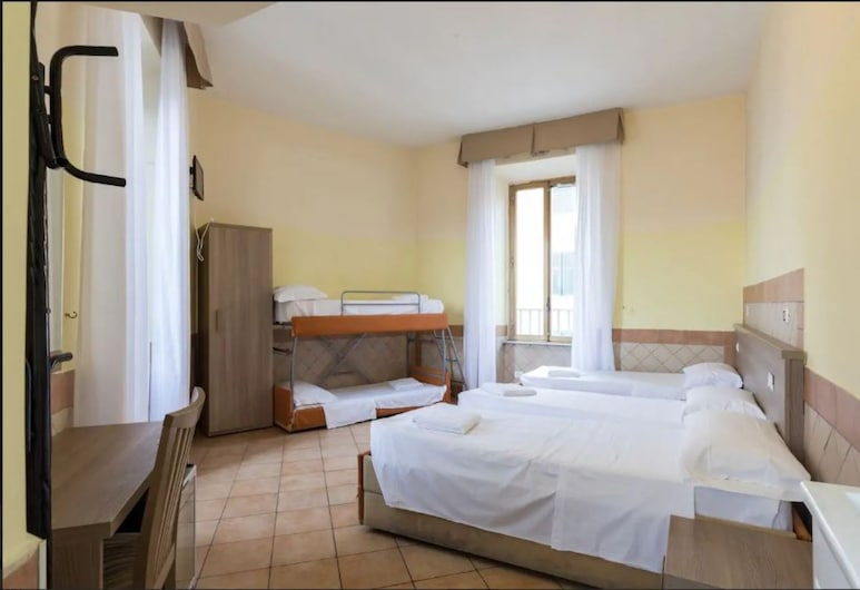 Alex Romano, Rome, Quadruple Room, Private Bathroom, Guest Room