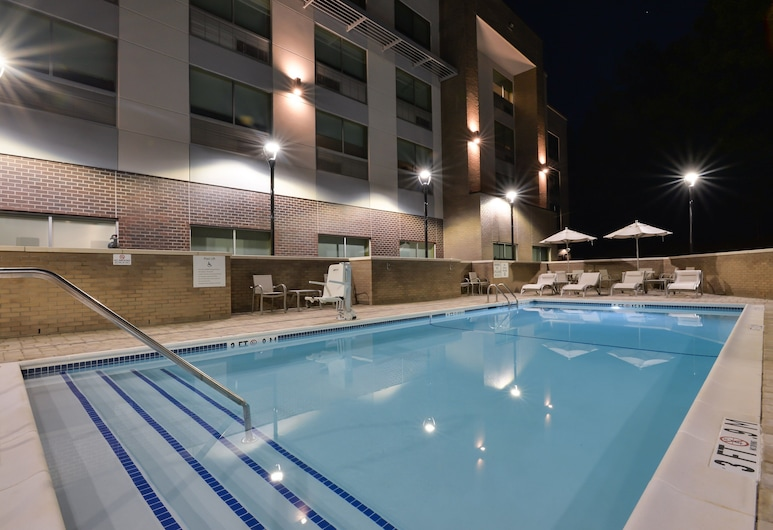 Holiday Inn Express & Suites Charlotte - Ballantyne, Charlotte, Buitenzwembad
